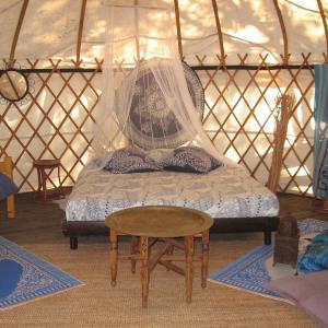 Hotel Pictures: Camping Mille Étoiles, Labastide-de-Virac
