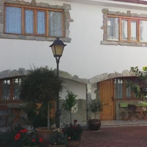 Hotel Pictures: Hotel Cortijo, Laredo
