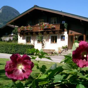Hotel Pictures: Ferienwohnung Waldhäusl, Sankt Martin bei Lofer