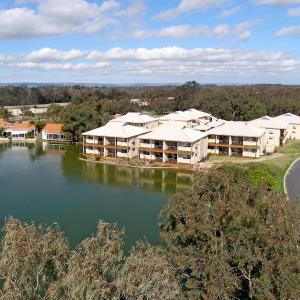 Fotos do Hotel: Lakeside Holiday Apartments, South Yunderup