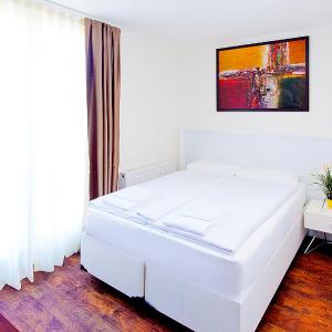 Hotel Pictures: Suite Apartments by Livingdowntown, Zürich