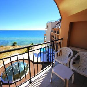 ホテル写真: Menada Apartments in Grand Hotel Sveti Vlas, サニービーチ