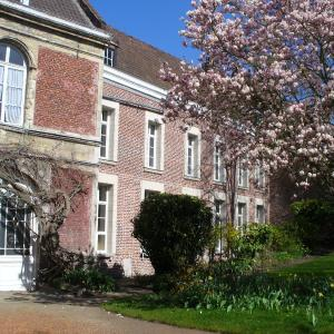 Hotel Pictures: Maison D'Hôtes Du Théâtre, Douai