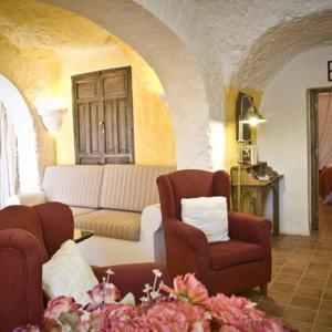 Hotel Pictures: Cueva La Hornacina, Orce