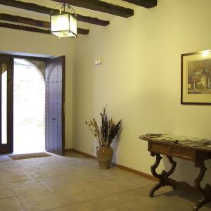 Hotel Pictures: Apartamentos Casa Les Valeres, Fuentespalda