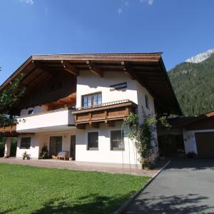 Zdjęcia hotelu: Ferienwohnungen Christine, Waidring