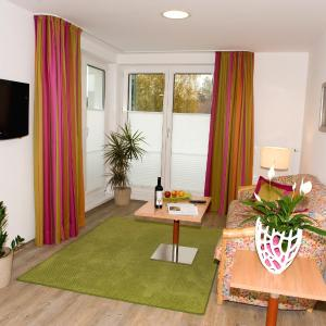 Фотографии отеля: Boarding Wohnungen Sonnenhof, Ленцинг