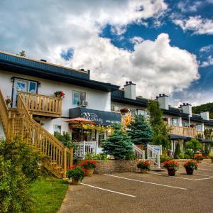 Hotel Pictures: Motel Le JoliBourg, Saint-Sauveur-des-Monts