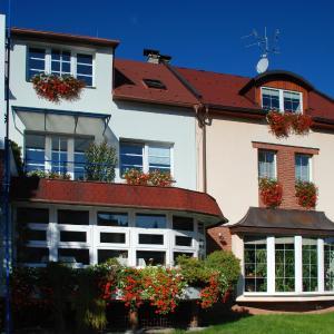 Hotel Pictures: Penzion Rondo, Bystřice pod Hostýnem