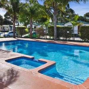 Foto Hotel: Frankston Holiday Park and Sandhurst Motel, Carrum Downs