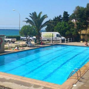Hotel Pictures: Camping Masnou, Masnou