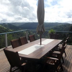 Hotel Pictures: Montville Holiday House, Montville