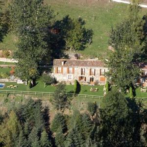Hotel Pictures: Apartamentos Rurales Les Barnedes, Molló