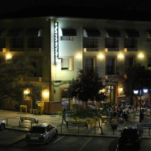 Hotel Pictures: Hostal Prickly Cervecería, Villacañas