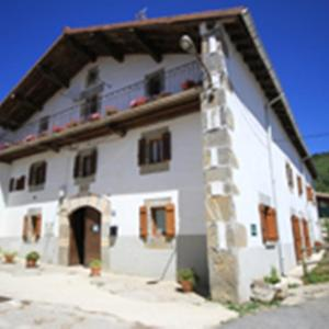 Hotel Pictures: Casa Batit, Viscarret-Guerendiáin