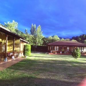 Hotel Pictures: Apartamentos Camin De Pelayo, Las Rozas
