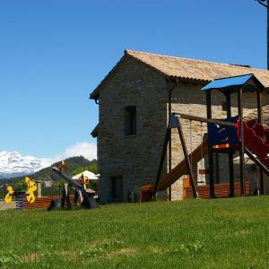 Hotel Pictures: Casas Rurales Pirineo, Gerbe