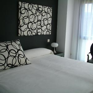 Hotel Pictures: Vinacua, Sos del Rey Católico