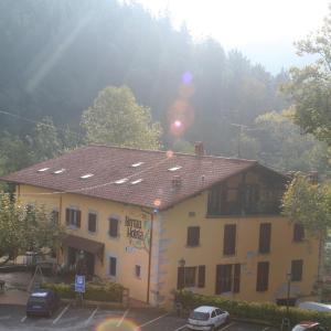 Hotel Pictures: Hotel Rural Bereau, Lesaka