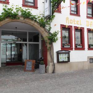 Hotel Pictures: Hotel-Restaurant Pfälzer Hof, Edenkoben
