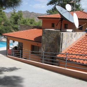 Hotel Pictures: Moniatis House, Moniatis