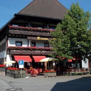Hotelbilleder: Gasthaus-Krone-Post, Simonswald