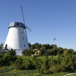 Hotel Pictures: Pivarootsi Windmill, Pivarootsi