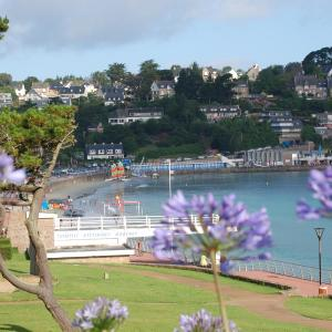 Hotel Pictures: Best Western Les Bains Hotel et SPA, Perros-Guirec