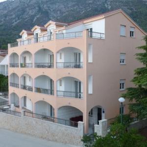 Hotellikuvia: Apartments Grozdana, Gradac