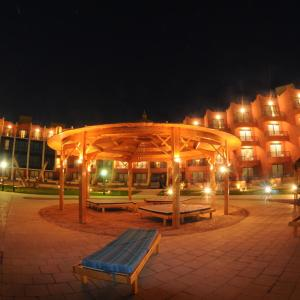 Hotel Pictures: Sinaway Lagoon Hotel and Spa, Ras Sedr