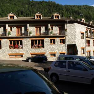 Hotel Pictures: Hotel La Farga, Setcases