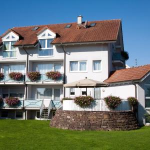 Hotelbilleder: Gästehaus zur offenen Tür, Rheinhausen