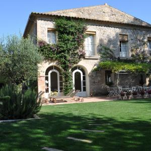 Hotel Pictures: L'Hort de Sant Cebrià, Torroella de Fluviá