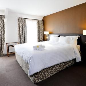 Hotel Pictures: Le Saint-Pierre, Mézidon-Canon