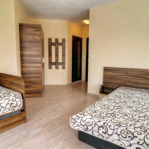 Hotelbilleder: Advel Guest House, Madzhare