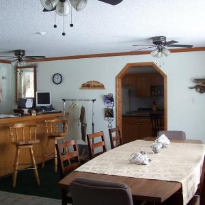 Hotel Pictures: Turners Northwoods Adventures, Manitouwadge
