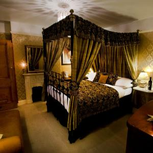 Hotel Pictures: The Old Registry, Rooms & Restaurant, Haworth