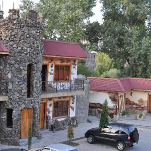 Hotel Pictures: Mayisyan Kamurdj Hotel, Ijevan