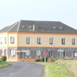 Hotel Pictures: La Briqueterie, Mailly-Maillet