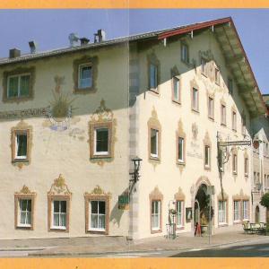 Hotel Pictures: Gasthof Goldene Traube, Golling an der Salzach
