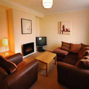 Hotel Pictures: Clover Holidays - Leslie House, Perth