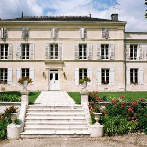Hotel Pictures: Chateau De Mesnac, Mesnac