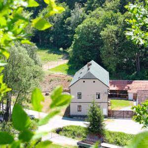 Hotel Pictures: Penzion Starý Pivovar, Křtiny