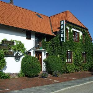 Hotel Pictures: Hotel-Pension Stöber, Jever