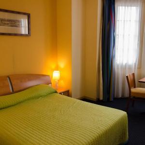 Hotel Pictures: Le Vieux Beffroi, Béthune