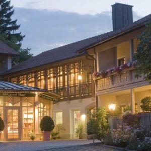 Hotelbilleder: Gasthof Mayrwirt, Saaldorf