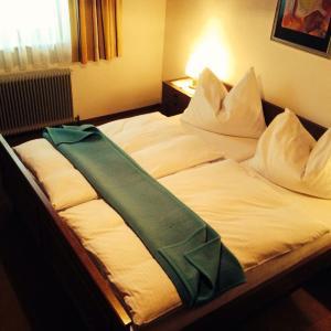 Foto Hotel: Haus Hildegard, Jenig