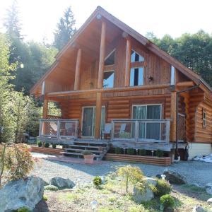 Hotel Pictures: Beaver Lake Resort, Lake Cowichan