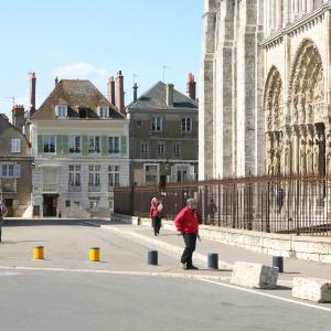 Hotel Pictures: Le Parvis, Chartres