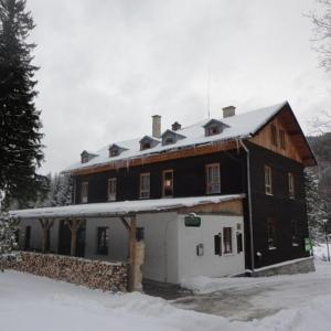Hotel Pictures: Chata Eduard, Bělá pod Pradědem